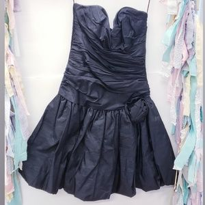 positively ellyn Dresses - Vintage Strapless Dress Touched size 12